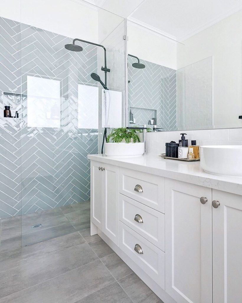 Herringbone bathroom hampton style